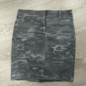 Grey camo Loft skirt